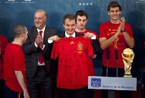 Футбол в Африке: испанская радость, голландская грусть…